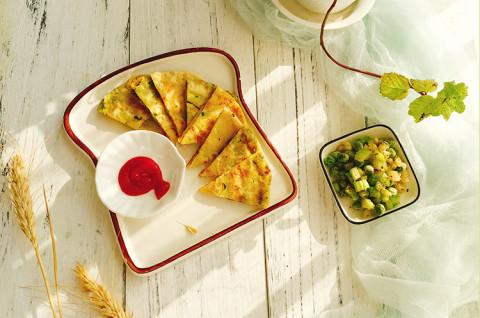 咖喱芹菜叶鸡蛋饼&芥末醋香芹菜沙拉