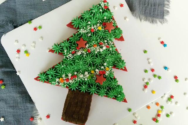 圣诞树造型蛋糕
