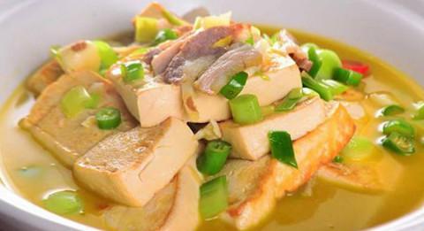 五花肉炖老豆腐