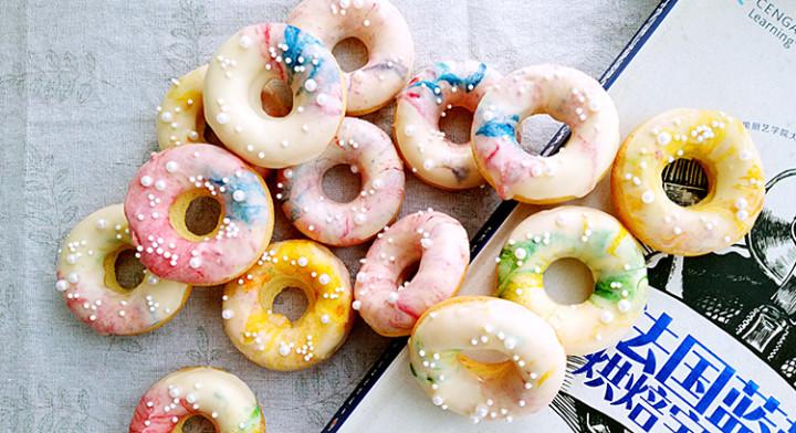 梦幻甜甜圈蛋糕