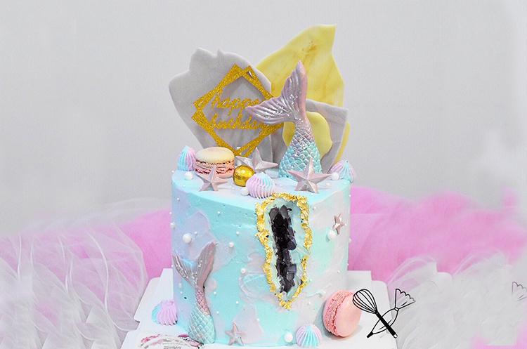 水晶洞人鱼装饰蛋糕