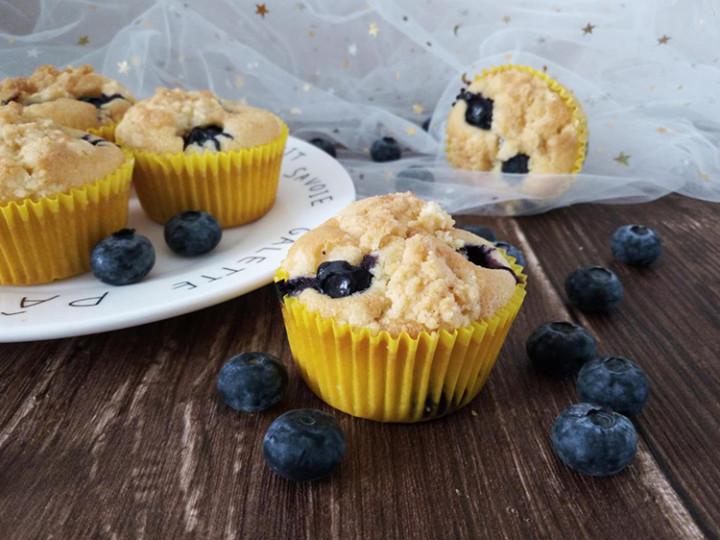 酥顶蓝莓麦芬蛋糕