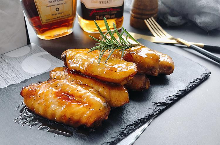 波本威士忌枫糖烤鸡翅