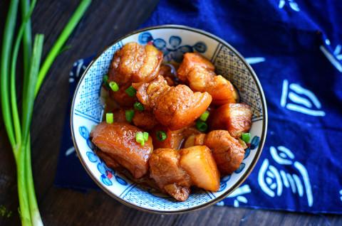 秘制红烧肉和麻辣豆角