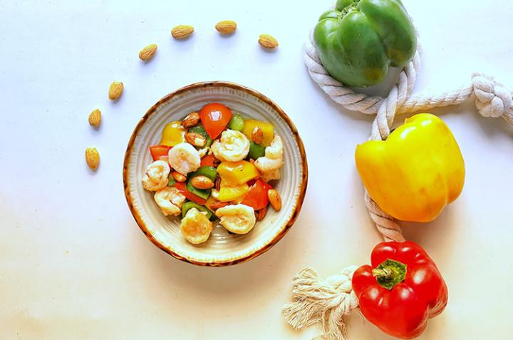 杏仁炒虾仁和香菜煎杏鲍菇