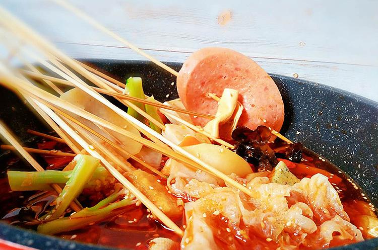 骨汤麻辣烫与冷串串