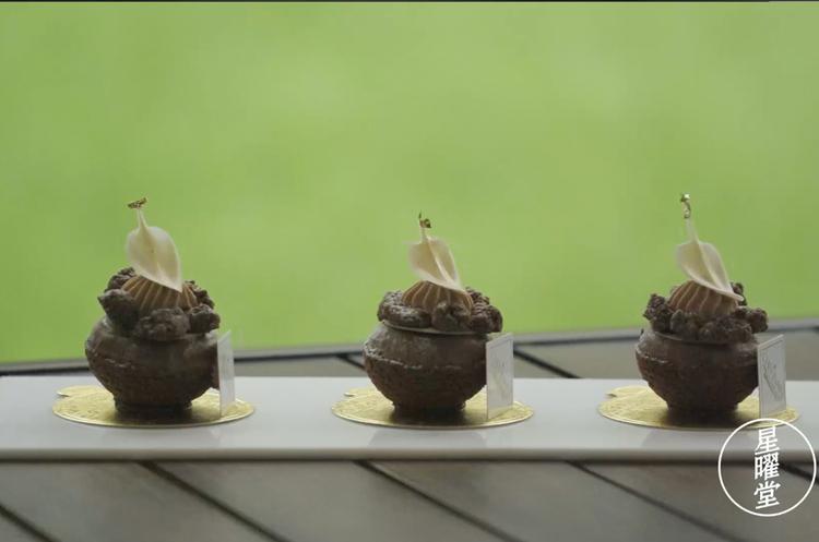 法式西点 巧克力泡芙