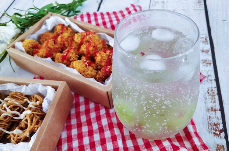 低脂鸡米花+干脆面+气泡饮料