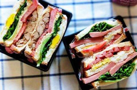 独家特调酱汁&两款三明治