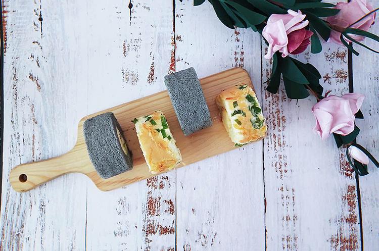 竹炭奶冻蛋糕卷&葱香肉松卷