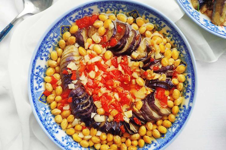 肉沫茄子和黄豆蓑衣茄子