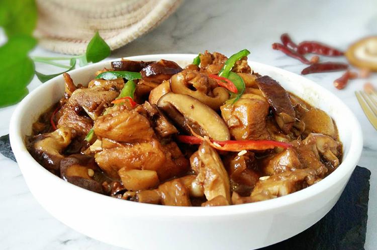 香菇黄焖鸡+面包屑炒虾