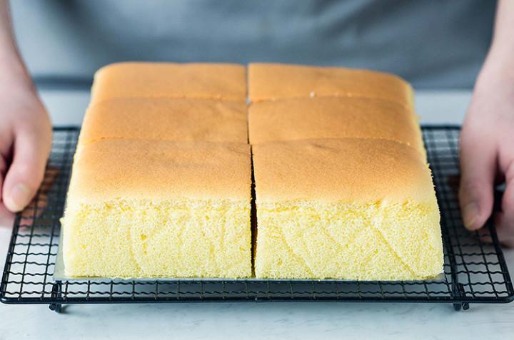 网红古早味蛋糕