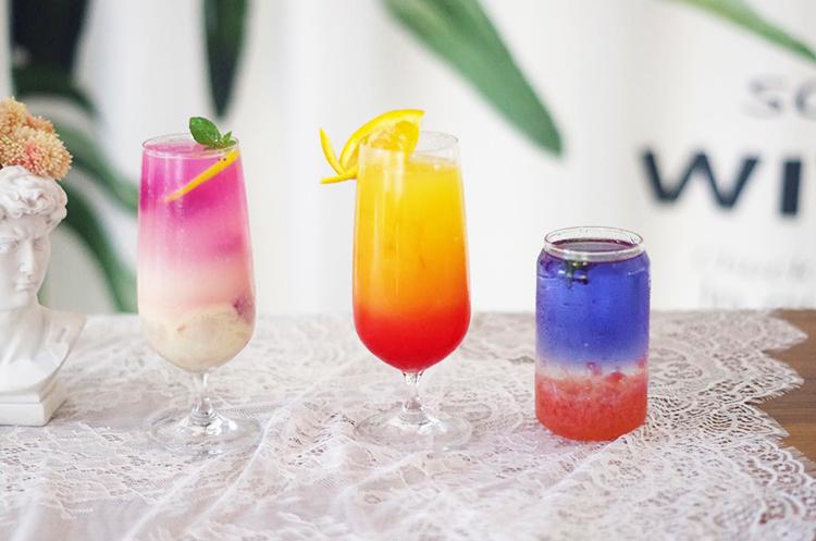 夏日鸡尾酒饮品