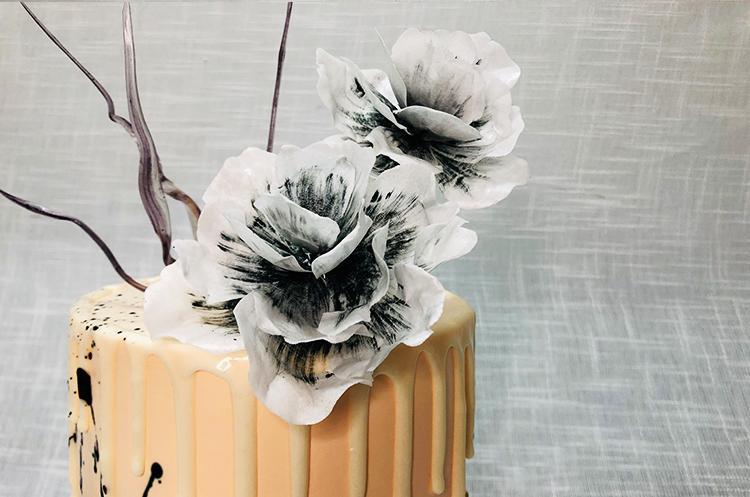 糖纸花滴落蛋糕