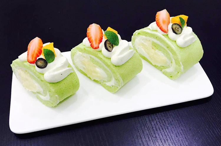 斑斓榴莲千层和蛋糕卷