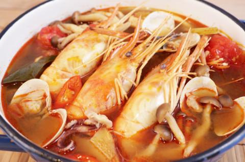 椰汁南姜鸡汤+泰式海鲜酸辣虾汤