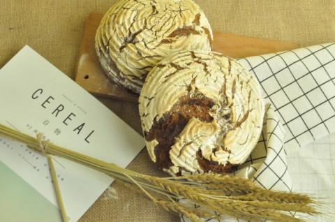 黑麦圆面包
