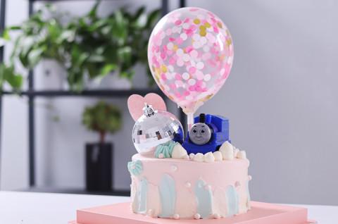 托马斯卡通玩偶造型蛋糕