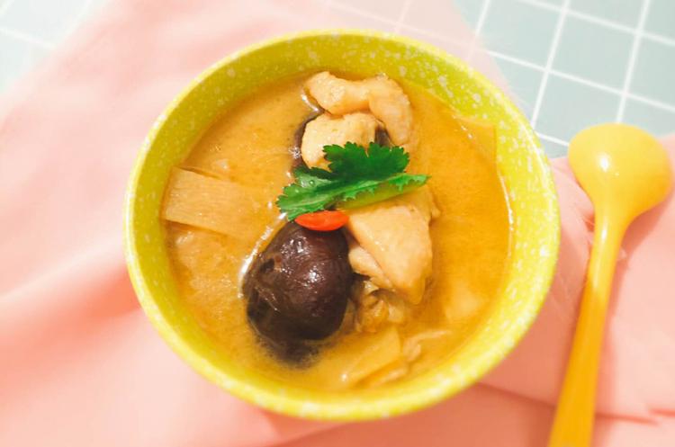 【养身汤羹】香菇麻油鸡
