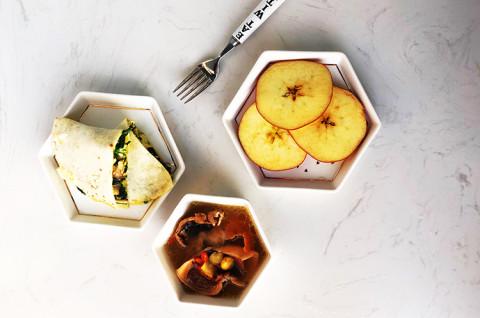 时蔬奶酪饼+白果墨鱼汤
