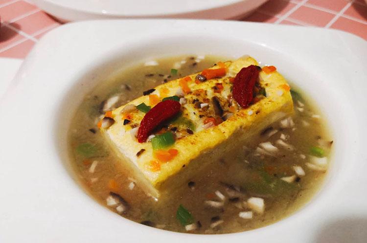 【月子餐】金桔煮牛腩/菌香蒸豆腐/时蔬燕麦烩