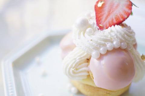 圣多诺草莓泡芙塔