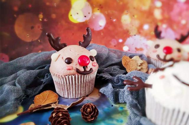 呆萌驯鹿与雪人纸杯蛋糕