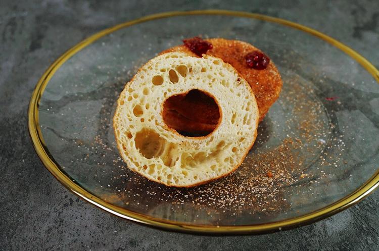 覆盆子甜甜圈