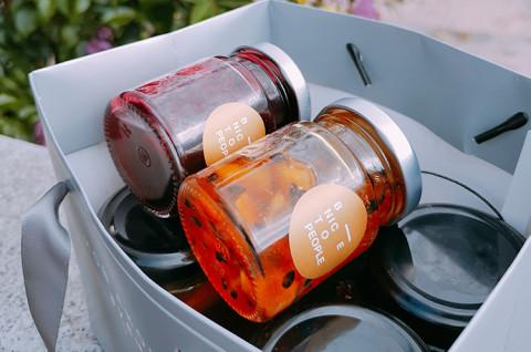 热情水果酱与森林莓果酱