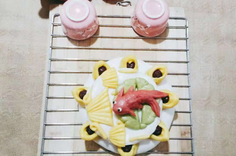 鱼跃龙门枣花糕
