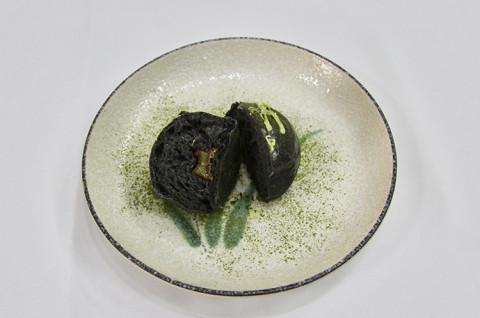 黑岩豆豆面包